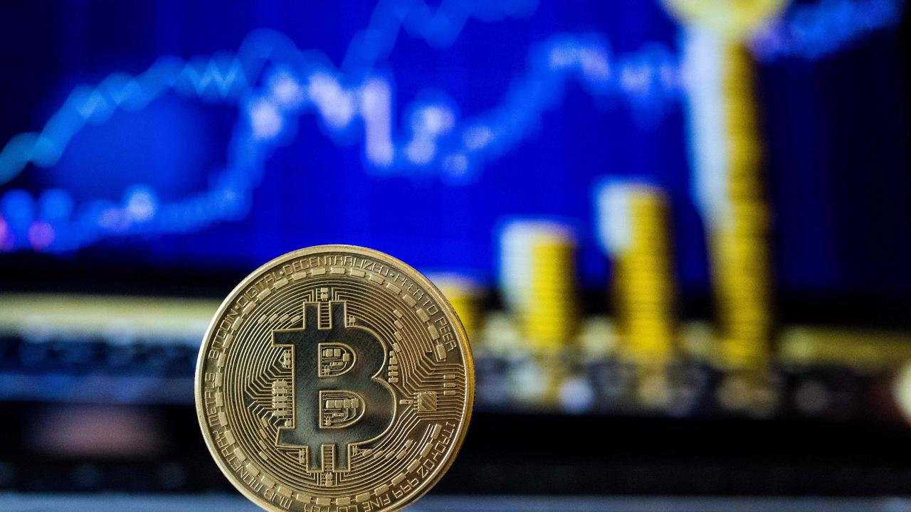 Faltering Bitcoin Market; many investors pulling out due to price slump